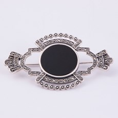 Broche Black Isis
