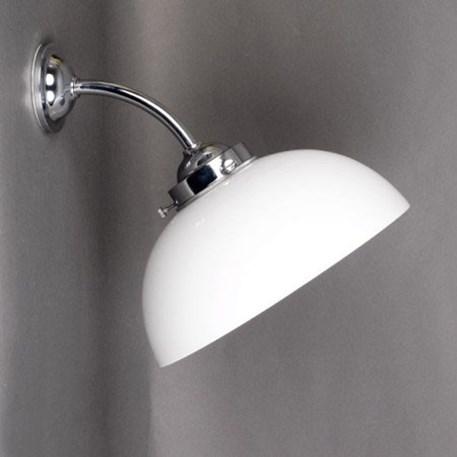 Verchroomde buiten- badkamerwandlamp met een halve bol Ø 30cm